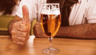 Где взять деньги на алкоголь, и как выпить бесплатно