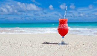 Где взять деньги на море — как правильно собрать на отпуск