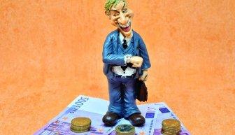 Как правильно попросить денег у богатых людей или знакомых?