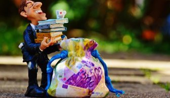 Получить деньги безвозмездно — реально: вопросы и ответы